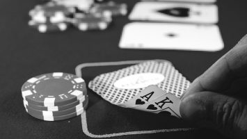 Just How Perks In Online Casino Poker Sites Job Betting