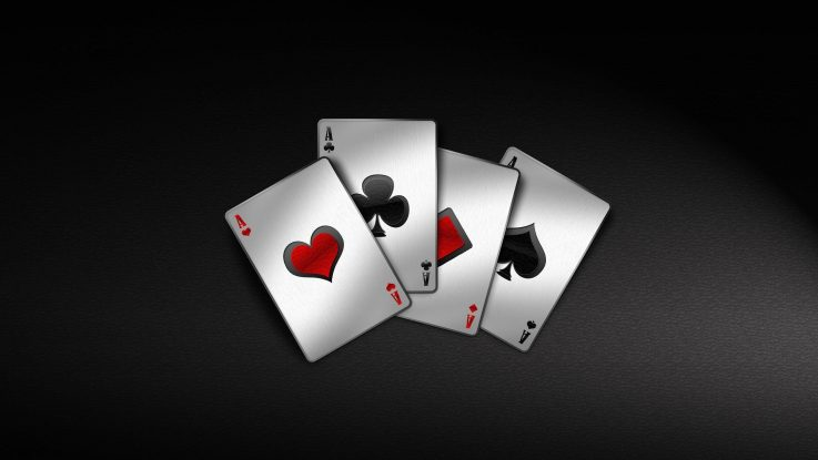 Poker Online Features